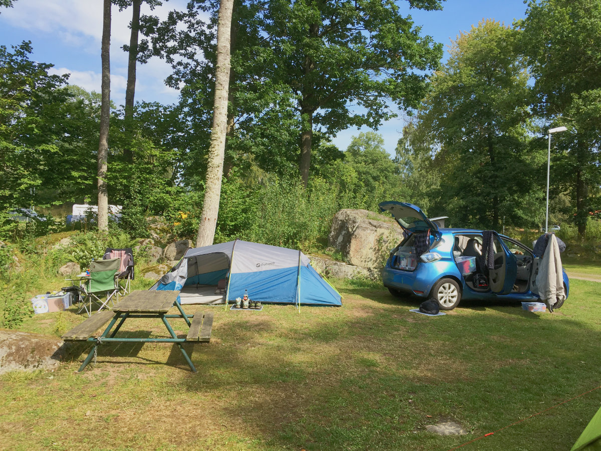 zoe-camping